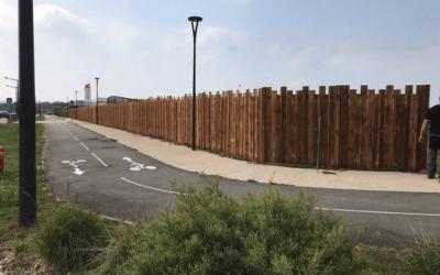 Chantier de Buchelay pose d'une clôture en bois